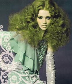 Зеленый оттенок волос. Как убрать зеленый оттенок волос?