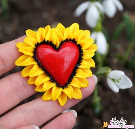 Брошь сердечко ко Дню всех Влюбленных своими руками, фото