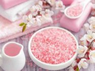 Морская соль против целлюлита — как избавиться от бугорков с помощью простых рецептов