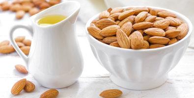 Миндальное масло для красивых локонов: рецепты масок
