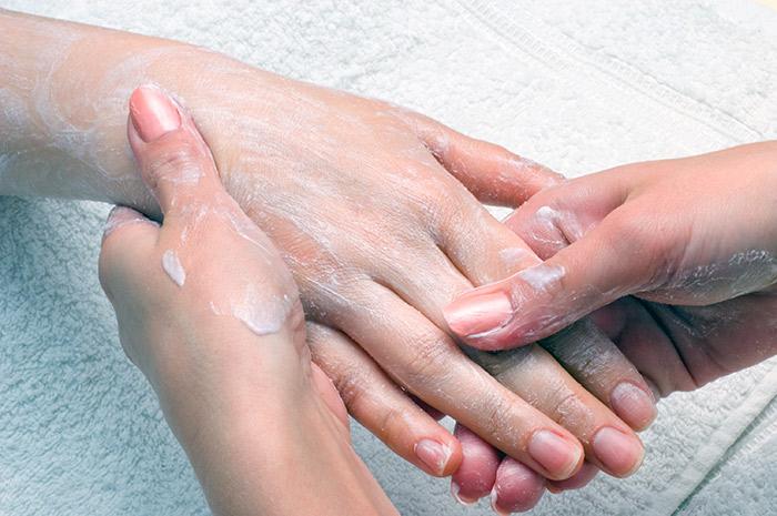 Очень сухая кожа рук - лечение в домашних условиях - маски, кремы, ванночки